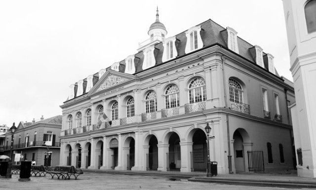 Black and white image of the Louisiana State Museum, The Cabildo, which represents the historic restorations performed by Pascal Architects in New Orleans, LA